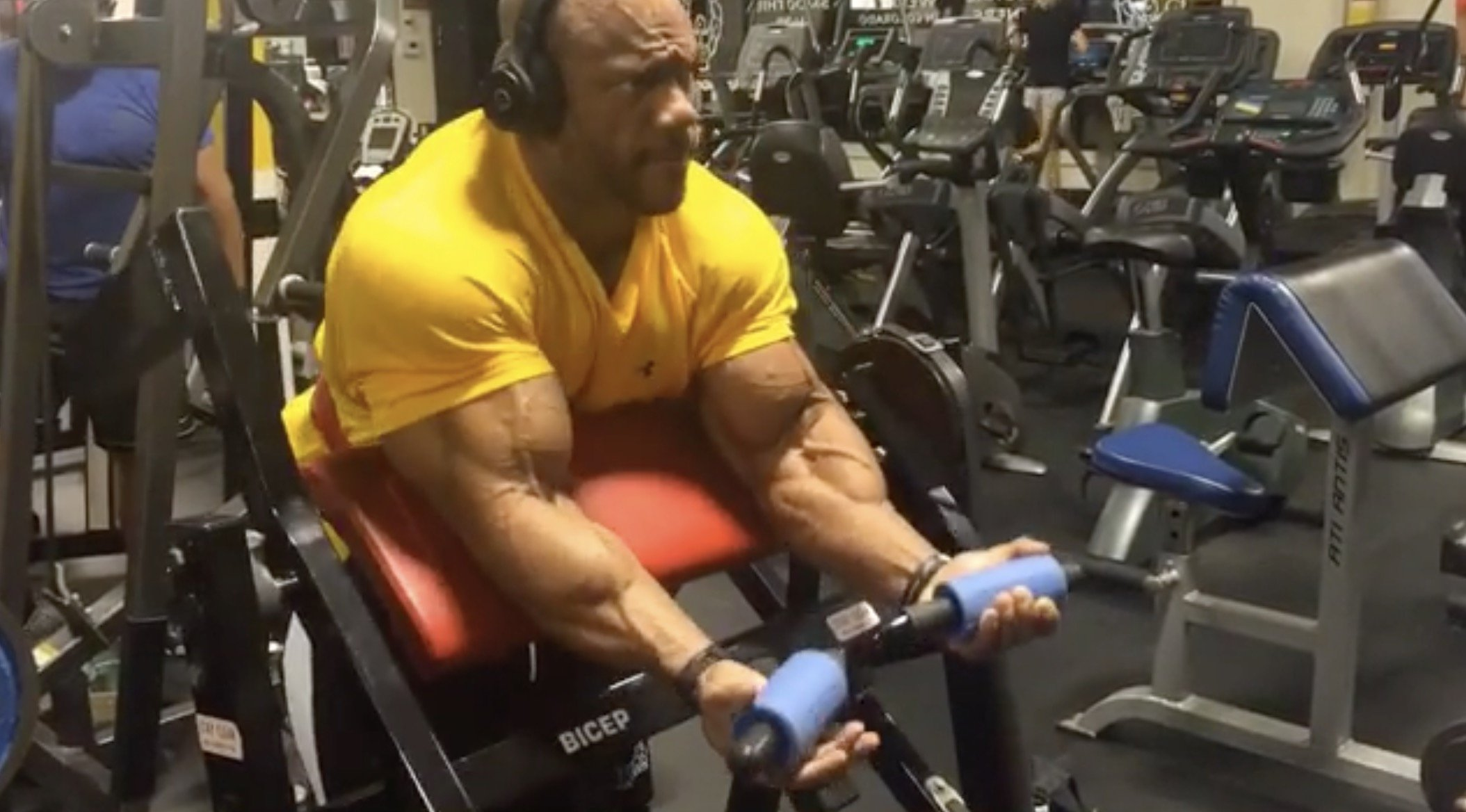 5X Mr Olympia Phil Heath Training Biceps Two Weeks out from 2016 Olympia -  Evolution of Bodybuilding